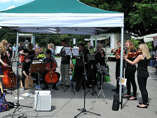 music_at_the_market_550_413